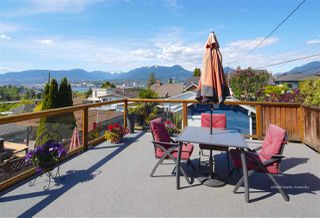 Photo 1: 3441 TRIUMPH Street in Vancouver: Hastings Sunrise House for sale (Vancouver East)  : MLS®# R2394925