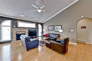 Photo 12: 956 HOLLINGSWORTH Bend in Edmonton: Zone 14 House for sale : MLS®# E4172295