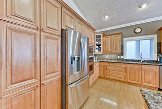 Photo 5: 956 HOLLINGSWORTH Bend in Edmonton: Zone 14 House for sale : MLS®# E4172295