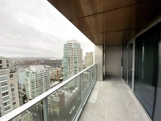 "Photo 20: 2502 1480 HOWE Street in Vancouver: Yaletown Condo for sale in ""VANCOUVER HOUSE"" (Vancouver West)  : MLS®# R2434266"