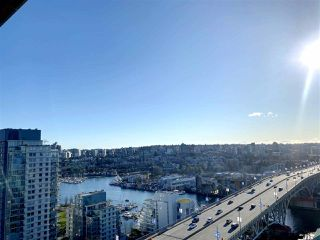 "Photo 3: 2502 1480 HOWE Street in Vancouver: Yaletown Condo for sale in ""VANCOUVER HOUSE"" (Vancouver West)  : MLS®# R2434266"