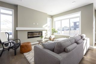 Photo 3: 2331 CASSIDY Way in Edmonton: Zone 55 House for sale : MLS®# E4187405