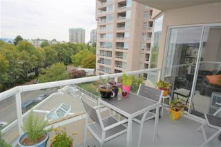 "Photo 3: 505 1045 QUAYSIDE Drive in New Westminster: Quay Townhouse for sale in ""QUAYSIDE TOWER 1"" : MLS®# R2500071"