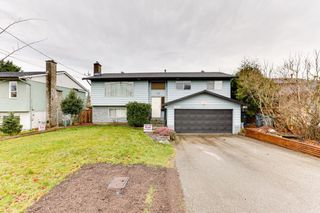 Photo 1: 5911 184 Street in Surrey: Cloverdale BC House for sale (Cloverdale)  : MLS®# R2527571