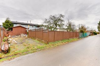 Photo 33: 5911 184 Street in Surrey: Cloverdale BC House for sale (Cloverdale)  : MLS®# R2527571