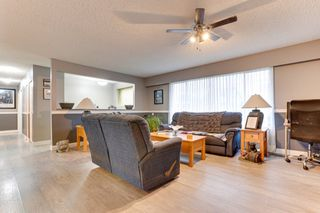 Photo 6: 5911 184 Street in Surrey: Cloverdale BC House for sale (Cloverdale)  : MLS®# R2527571