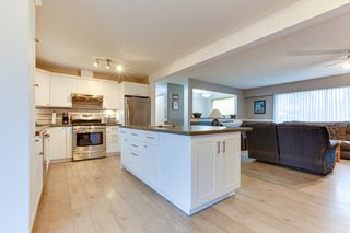 Photo 12: 5911 184 Street in Surrey: Cloverdale BC House for sale (Cloverdale)  : MLS®# R2527571