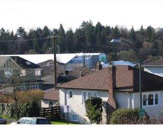 Photo 6: 4312 ONTARIO Street in Vancouver: Main House for sale (Vancouver East)  : MLS®# V803469