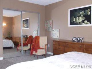 Photo 11: 308 1366 Hillside Ave in VICTORIA: Vi Oaklands Condo for sale (Victoria)  : MLS®# 538617