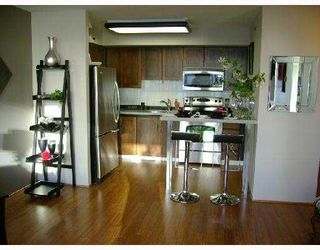 Photo 2: 706 2201 PINE Street in Vancouver: Fairview VW Condo for sale (Vancouver West)  : MLS®# V734760