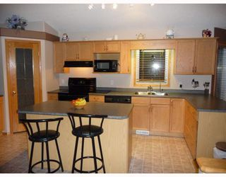 Photo 2: 36 MINIC Road in WSTPAUL: Middlechurch / Rivercrest Residential for sale (Winnipeg area)  : MLS®# 2901221
