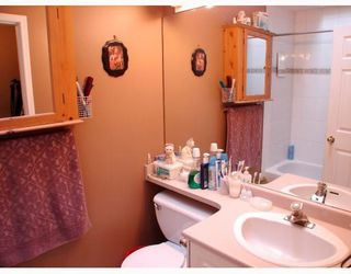 """Photo 5: 111 303 CUMBERLAND Street in New_Westminster: Sapperton Townhouse for sale in """"CUMBERLAND COURT"""" (New Westminster)  : MLS®# V754567"""