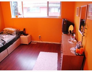 """Photo 7: 111 303 CUMBERLAND Street in New_Westminster: Sapperton Townhouse for sale in """"CUMBERLAND COURT"""" (New Westminster)  : MLS®# V754567"""