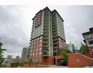 """Photo 1: 1006 833 AGNES Street in New_Westminster: Downtown NW Condo for sale in """"THE NEWS"""" (New Westminster)  : MLS®# V759639"""