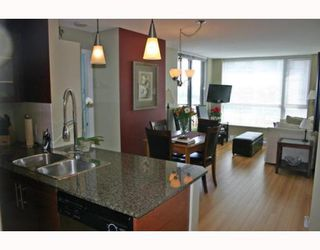 """Photo 4: 1006 833 AGNES Street in New_Westminster: Downtown NW Condo for sale in """"THE NEWS"""" (New Westminster)  : MLS®# V759639"""