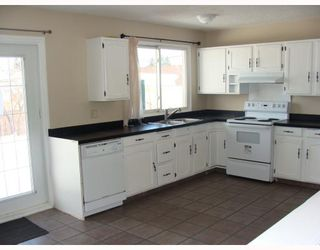 Photo 3:  in CALGARY: Huntington Hills Residential Detached Single Family for sale (Calgary)  : MLS®# C3372499