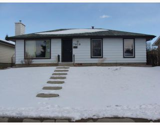 Photo 1:  in CALGARY: Huntington Hills Residential Detached Single Family for sale (Calgary)  : MLS®# C3372499