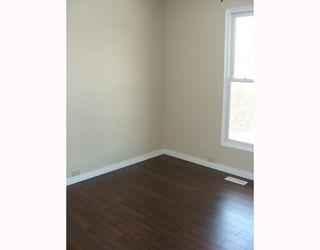 Photo 5:  in CALGARY: Huntington Hills Residential Detached Single Family for sale (Calgary)  : MLS®# C3372499