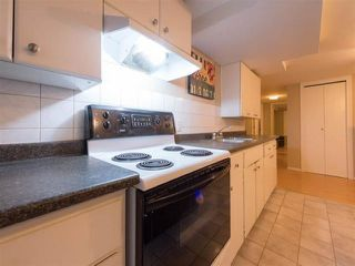 Photo 16: 942 E 21ST Avenue in Vancouver: Fraser VE House for sale (Vancouver East)  : MLS®# R2408468