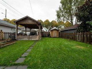 Photo 14: 942 E 21ST Avenue in Vancouver: Fraser VE House for sale (Vancouver East)  : MLS®# R2408468