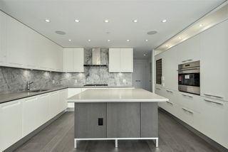 """Photo 1: 203 6333 WEST BOULEVARD in Vancouver: Kerrisdale Condo for sale in """"MCKINNON"""" (Vancouver West)  : MLS®# R2414135"""