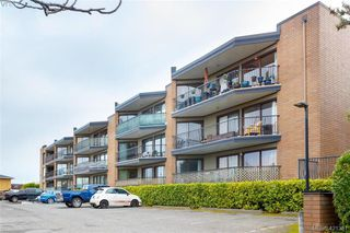 Photo 1: 321 1870 McKenzie Ave in VICTORIA: SE Lambrick Park Condo for sale (Saanich East)  : MLS®# 833953