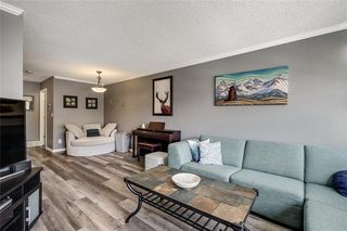 Photo 3: 1419 1 Street NE in Calgary: Crescent Heights Row/Townhouse for sale : MLS®# C4288003