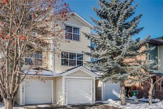 Photo 2: 1419 1 Street NE in Calgary: Crescent Heights Row/Townhouse for sale : MLS®# C4288003