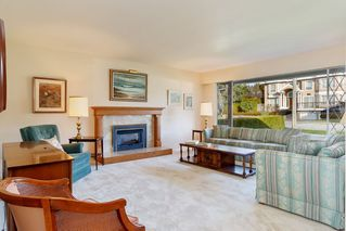 Photo 2: 6170 WINCH Street in Burnaby: Parkcrest House for sale (Burnaby North)  : MLS®# R2439181