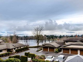 "Photo 1: 13 32890 MILL LAKE Road in Abbotsford: Central Abbotsford Townhouse for sale in ""Lake Estates"" : MLS®# R2440507"
