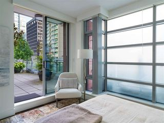 Photo 22: 403 1169 W CORDOVA STREET in Vancouver: Coal Harbour Condo for sale (Vancouver West)  : MLS®# R2475805