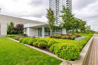 Photo 10: 2005 602 COMO LAKE AVENUE in Coquitlam: Coquitlam West Condo for sale : MLS®# R2483073