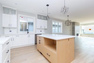 Photo 4: 2442 Azurite Cres in : La Bear Mountain House for sale (Langford)  : MLS®# 855513