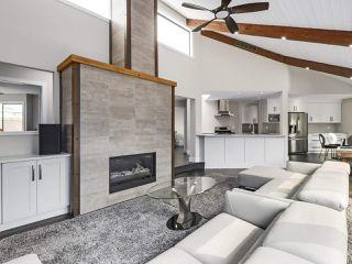 Photo 3: 281 CENTENNIAL Parkway in Delta: Boundary Beach House 1/2 Duplex for sale (Tsawwassen)  : MLS®# R2498112
