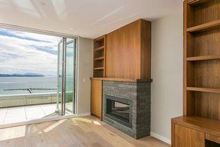 Photo 4: 15048 BUENA VISTA AVENUE in South Surrey White Rock: White Rock Home for sale ()  : MLS®# R2181064