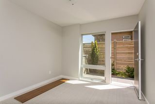 Photo 14: 15048 BUENA VISTA AVENUE in South Surrey White Rock: White Rock Home for sale ()  : MLS®# R2181064