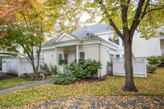 "Photo 2: 33 12500 MCNEELY Drive in Richmond: East Cambie Townhouse for sale in ""FRANCISCO VILLAGE"" : MLS®# R2512866"