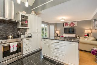 "Photo 11: 33 12500 MCNEELY Drive in Richmond: East Cambie Townhouse for sale in ""FRANCISCO VILLAGE"" : MLS®# R2512866"