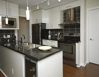"Photo 3: 2702 188 KEEFER Place in Vancouver: Downtown VW Condo for sale in ""ESPANA"" (Vancouver West)  : MLS®# V812039"