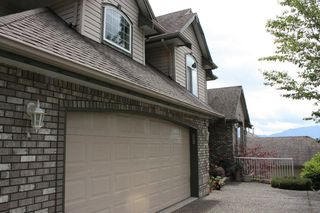 "Photo 2: 36282 SANDRINGHAM Drive in Abbotsford: Abbotsford East House for sale in ""CARRTINGTON ESTATES"" : MLS®# F1016618"