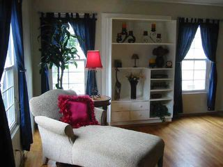 Photo 2: SAN DIEGO Residential for sale : 3 bedrooms : 4566 Alamo Dr