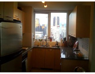 """Photo 4: 2204 1155 SEYMOUR Street in Vancouver: Downtown VW Condo for sale in """"BRAVA"""" (Vancouver West)  : MLS®# V740864"""