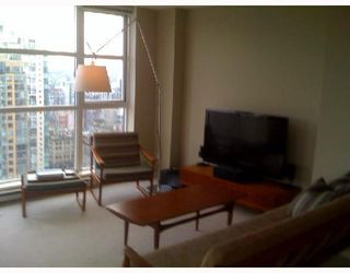 """Photo 3: 2204 1155 SEYMOUR Street in Vancouver: Downtown VW Condo for sale in """"BRAVA"""" (Vancouver West)  : MLS®# V740864"""