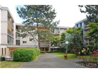 Photo 1:  in VICTORIA: SW Rudd Park Condo Apartment for sale (Saanich West)  : MLS®# 478001