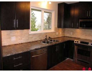 Photo 5: 15721 RUSSELL Avenue in White_Rock: White Rock House for sale (South Surrey White Rock)  : MLS®# F2908308