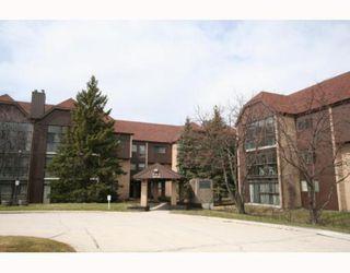 Main Photo: 65 SWINDON Way in WINNIPEG: River Heights / Tuxedo / Linden Woods Condominium for sale (South Winnipeg)  : MLS®# 2907773