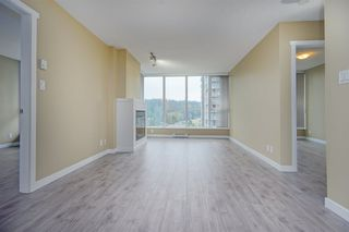 Photo 3: 2102 660 NOOTKA Way in Port Moody: Port Moody Centre Condo for sale : MLS®# R2403696