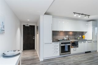 "Photo 3: 1606 6658 DOW AVE Avenue in Burnaby: Metrotown Condo for sale in ""MODA"" (Burnaby South)  : MLS®# R2430580"
