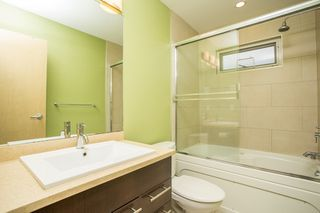 Photo 25: 598 E 16TH Avenue in Vancouver: Fraser VE House 1/2 Duplex for sale (Vancouver East)  : MLS®# R2461051