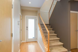 Photo 2: 598 E 16TH Avenue in Vancouver: Fraser VE House 1/2 Duplex for sale (Vancouver East)  : MLS®# R2461051